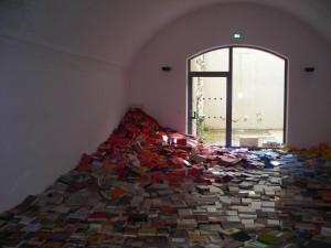 """""""Bücherwelle"""", Ausstellung """"Eigene Welten"""". Literaturhaus Immenstadt, 2010"""