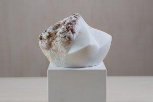 """Skulptur """"Anfang II"""", weißer Alabaster, 2016"""