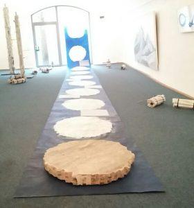 """Installation """"Zeiten"""", Ausstellung """"inzwischen"""" Literaturhaus Allgäu"""